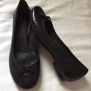 Clark's Artisan Shoes Sz 9